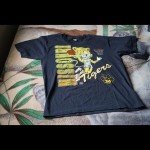 Vintage Missouri Basketball Tee Large
